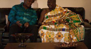 Otumfuo Assures Mahama Of His Full Blessing