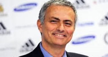 Jose Mourinho Finally Signs For Manchester United