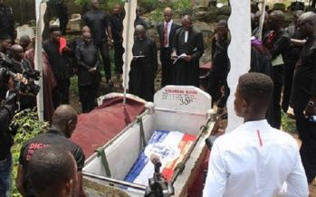 PHOTOS: At the Cemetery- Bawumia's Aide Goes Home in NPP Colours